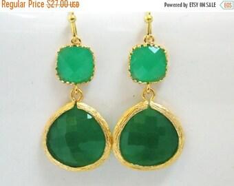 SALE Gold Green Earrings, Glass Earrings, Mint, Gold Earrings, Wedding Jewelry, Bridesmaid Earrings, Bridal Jewelry, Bridesmaid Gifts
