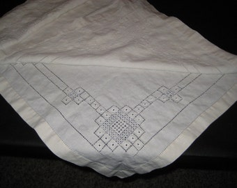 Off White Tablecloth, Nice Cut Work, Pulled Thread