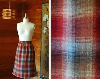 SPRING SALE / SALE / vintage 1970s skirt / autumnal plaid wool skirt / size medium