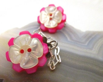 Flower Sweater Guard Clips Jewelry with Vintage White Dogwood and Pink Flower Mother of Pearl Buttons w/Sterling Silver Chain Jewelry