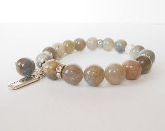 labradorite gemstone bracelet, grey gemstone stretch bracelet, everyday bracelet, healing bracelet, yoga jewelry, gift for her