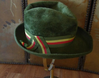 60s green felt Fedora hat with striped band. Made in Italy by Dale Kelly, Helios