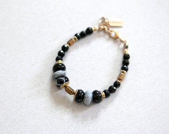 Minimalist Black Agate and White moss agate, onyx beads bracelet, Delicate bracelet, Black and White bracelet by pardes