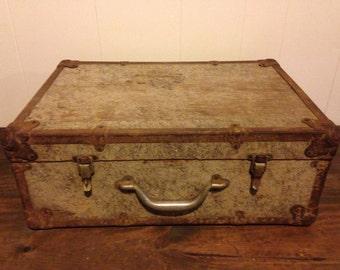 Vintage wood suitcase • vintage wood salesman case
