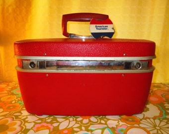 Vintage 1960s MID Century Modern Retro Samsonite Royal Traveller Red Train Case Overnight Travel Tote