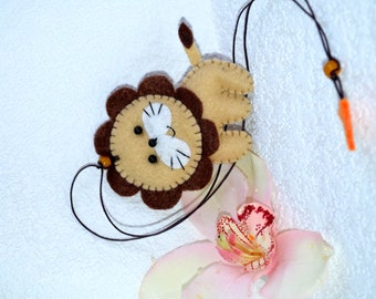 Father's Day gift, Felt bookmark with a lion, felt toy, Decorating, gift for child, Personalized Bookmark