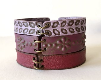 Boho Leather Inspired Cuff Bracelet, Purple tones Bracelet, Shades of Wine Color, Clay Bracelet, Bohemian Wanderlust Chic Wear, Ethnic Gift