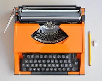 Orange typewriter Rover 1000 | retro typewriter | working typewriter | portable typewriter
