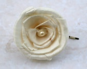 Simple Ivory Sola Wood Rose Wedding Hair Accessory - Bobby Pin - Pearl, Hair Pin - Bridal Hair Accessories - The Sunny B., Sunnybee