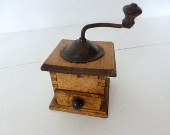 Vintage French, Pepper, Mill / Grinder