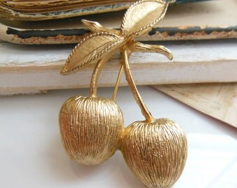 Vintage 1960s Signed Sarah Coventry 'Golden Cherries' Cherry Brooch Pin A42