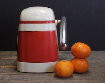 Vintage Red Rival Juice O Mat // Vogue Model Juice O Mat