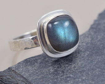 Labradorite and Sterling Silver Ring - Teal Flash - Cushion Cabochon - Size 7