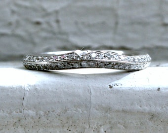 Curved Pave Vintage 14K White Gold Diamond Wedding Band - 0.27ct.