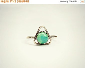 FALL SALE sterling silver triangle ring with glass opal, green opal ring, hammered ring, geometric ring, opal ring, triangle jewelry