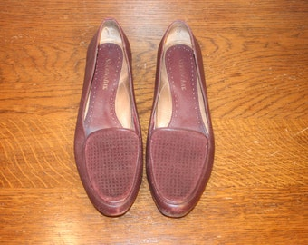 Size 7.5, Burgundy Leather Flats,womens loafers,leather loafers,size 7.5 loafers,flats 7.5,leather flats,womens flats,flat loafers,flats