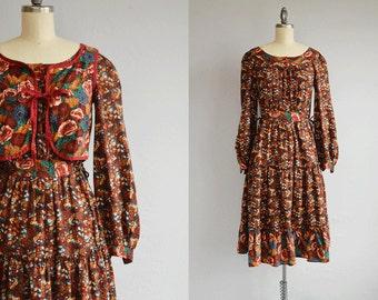 Vintage 70s Dress / 1970s Plain Jane Floral Print Boho Festival Peasant Dress with Tiered Midi Skirt and Vest / Jane Tice