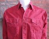 Mens MEDIUM cowboy shirt, Wrangler, vintage, red, red buttons (655)