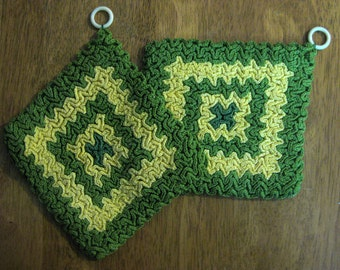 2 Gorgeous Vintage 1960's Hand Crocheted Kitchen Potholders Green & Yellow