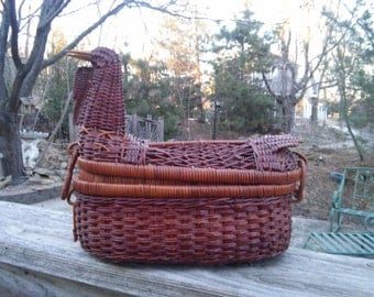 Vintage Wicker Hen Basket, Duck Basket, Wicker Animal Basket, Wicker Chicken, Wicker Kleenex Box