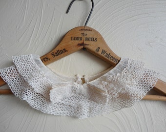 Vintage Lace Collar 1940s Double Layer with Bow and Back Closure