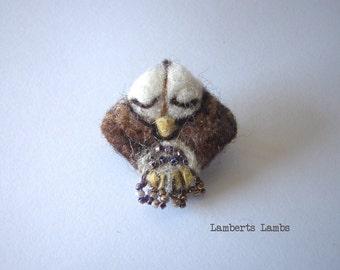 Owl Brooch, Needle felted Owl Brooch. Felt Bird Broach, Owl Pin
