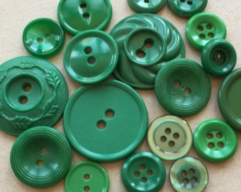destash of eco friendly and vintage kelly green buttons--mixed lot of 19