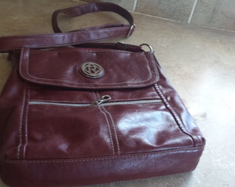 relic purse  many compartments great traveling bag