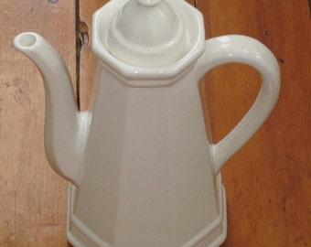 Large Vintage Pfaltzgraff Heritage White Ironstone Coffee Pot Tea Pot