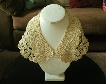 Antique Ecru Crochet Lace Collar