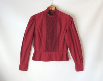 70s Burgundy Peplum Blouse / Dark Red Lace Top / Button Back Blouse / Long Sleeves / Lace Collar / Cropped Blouse / Pintucks / Peplum Top