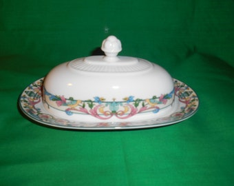 One (1)Covered Butter Dish, from Pfaltzgraff, in the Love Birds Pattern.