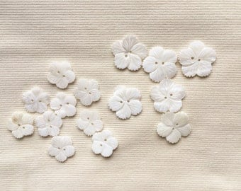 14 Buttons - mother of pearl - flower - 6x 25 mm and 8x 20 mm - SALE!