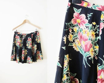 90s Grunge Skirt / Soft Grunge / Floral Mini Skirt / Betsey Johnson / Skater Skirt
