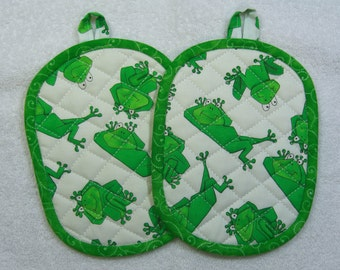 Frog Print Quilted Pot Holders Hot Pad Set of 2 - Hot Pad/Pot Holders Trivet Ready to Ship