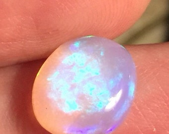 2.9 Carat Gorgeous Violet Welo Crystal Cabochon