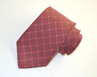 Tom James Necktie, Men's Red Vintage Necktie, Bright Red Tie, Vintage Necktie, Silk Tie, Men's Neckwear, Extra Long Necktie, Made in the USA