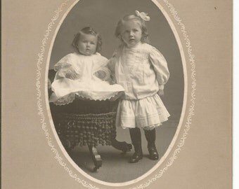 Antique Cabinet Photograph of 2 Little Girls