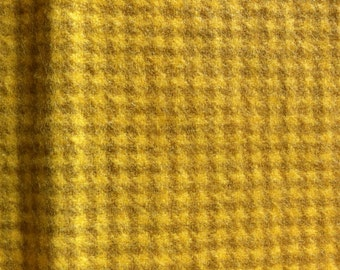 Hand Dyed Felted Wool - Duckling houndstooth