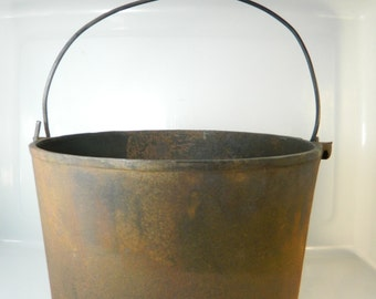 Vintage Cast Iron Pot, Bean Pot, Camp Fire Cook Pot, Fireplace Cook Kettle Wire Handle