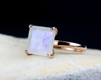 SUMMER SALE - Rose gold ring,rainbow moonstone ring,square ring,prong ring,solitaire ring,gemstone ring,semiprecious ring,pink gold ring