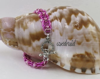 Beaded Chainmaille Jewelry, Handmade Dark and Light Pink Helm Weave Chainmail Bracelet