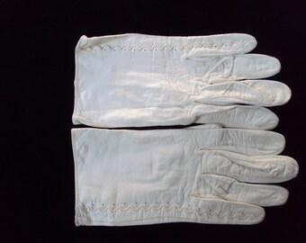 Vintage Ladies White leather gloves, size XS