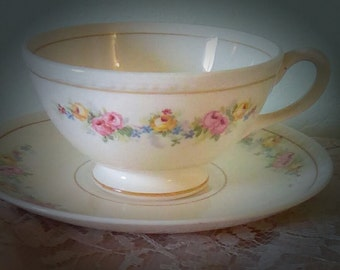 Set of two Homer Laughlin teacups