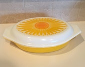 Yellow Pyrex Casserole / Vintage Pyrex Ovenware Divided Casserole Dish Lidded / Pyrex Serving Dish Daisy Sunflower Yellow
