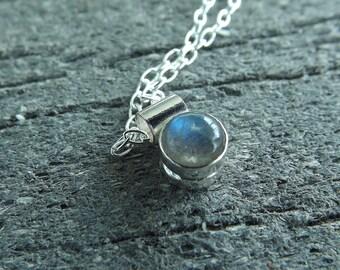 Labradorite Necklace, Tiny Labradorite Necklace, Minimalist, Recycled Necklace, Gem Necklace, labradorite Jewelry, Pebble Necklace, Gypsy