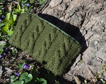 olive cable knit clutch