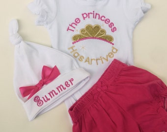 Baby Girls take home outfit- Personalized Baby Girls onesie -  bloomers- Monogram hat- So sweet.