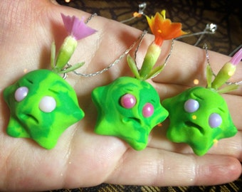 Green sprout worry wart necklace