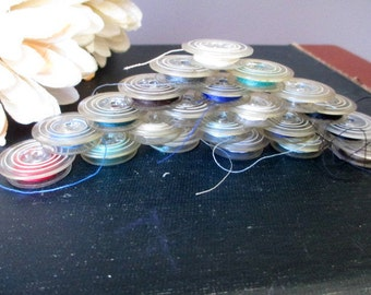 Vintage Lot of 21 Plastic Sewing Machine Bobbins With Multicolor  Assorted Thread  Sewing Machine Supply